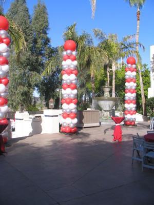 Balloon Columns Outdoors