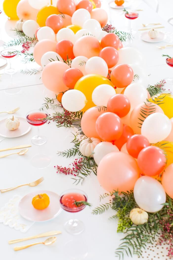 balloon garland table decoration