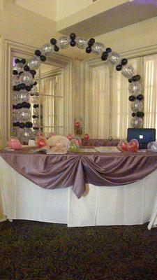 Balloon Arch, Romance Trade Show