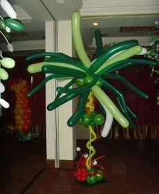 Balloon Palm Tree for a Tropical Themed Decor