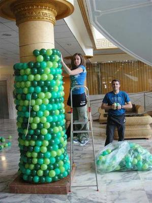 Wrapping a Pillar with Balloons
