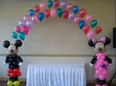 Minnie Mouse Balloon Sculpture (source: http://www.youtube.com/user/BalloonMagiccreation)