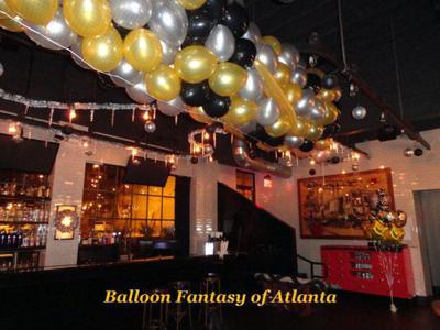 Balloon Drop Net (Image source: balloonfantasyofatlanta.com]