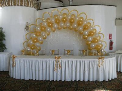 Balloon Arch Backdrop for Head Table