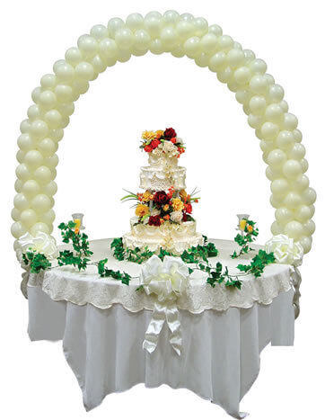 Wedding cake table decoration with balloons
